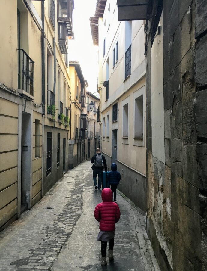 Spain Travels: Madrid and Toledo + What to Pack for a Picnic