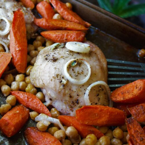 Sheet Pan Chicken, Chickpeas and Carrots